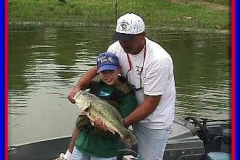 bass_fishing_father_son_2004