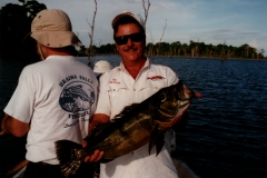 peacock_bay_lodge_pat_15lb_peacock_bass