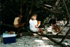 rio_negro_beach_lunch_2